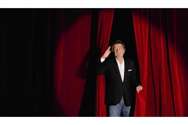 Eddy Mitchell ouvre le rideau de l'Olympia, qui accueille le début de sa tournée.