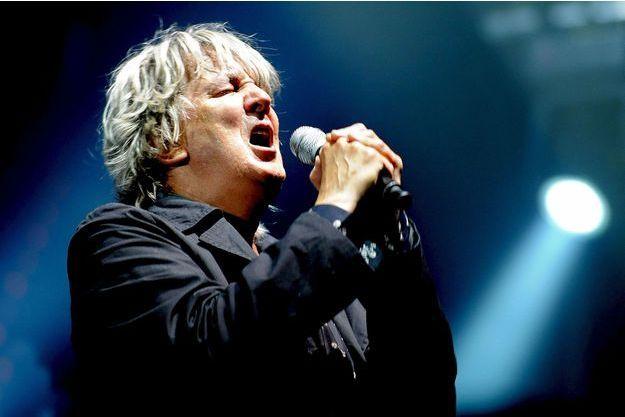 Jacques Higelin en concert à Paris en 2010.