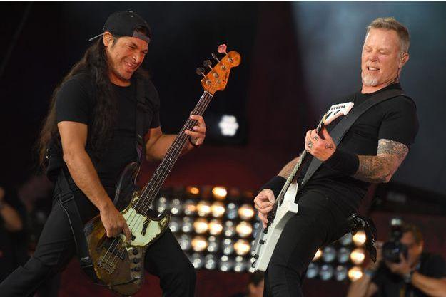 Robert Trujillo et James Hetfield le 24 septembre dernier avec Metallica, lors d'un concert contre la pauvreté à New York.