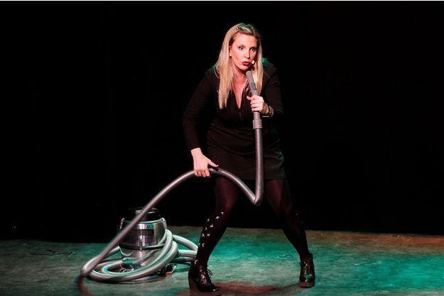 Zoé l'Aspiratrice est actuellement sur la scène du Petit Palais des Glaces. Le 6 mai prochain, elle fera la première partie de Nawell Madani au Cirque Royal de Bruxelles.
