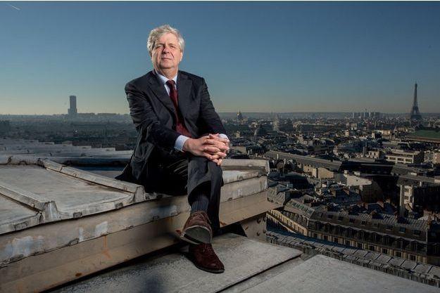 Stéphane Lissner sur le toit du Palais Garnier