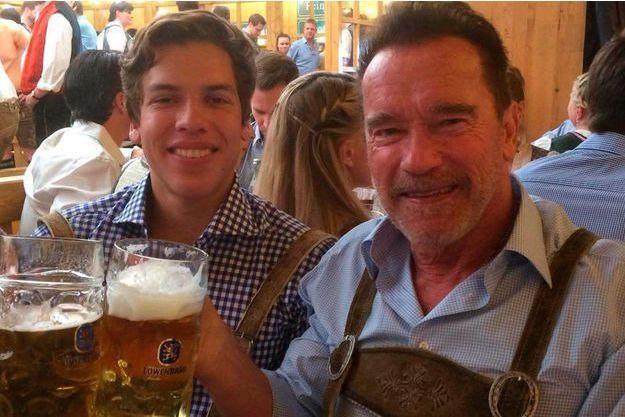 Arnold Schwarzenegger et Joseph Banea, son fils illégitime.