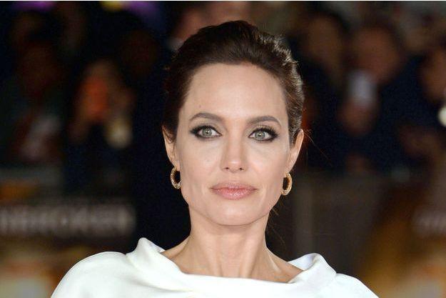"""Angelina Jolie à la première d'""""Invincible"""" à Londres le 25 novembre dernier"""