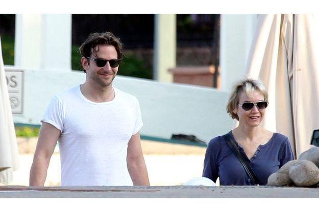 Renee Zellweger et Bradley Cooper à Puerto Vallarta (Mexique) en juin 2010