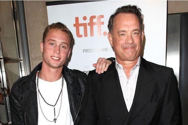 Chet Hanks et son père Tom Hanks au festival international du film de Toronto en 2012.