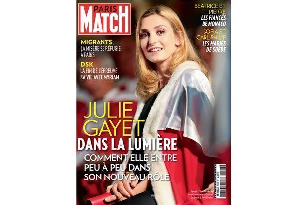 Samedi 13 juin, l'actrice est intronisée dans la confrérie de la Jurade, à Saint-Emilion.