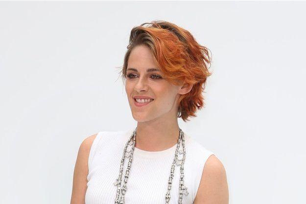 Kristen Stewart au défilé Chanel lors de la Fashion Week de Paris le 8 juillet 2014-