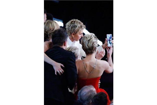 Le moment du selfie approche lors de la 86e cérémonie des Oscars