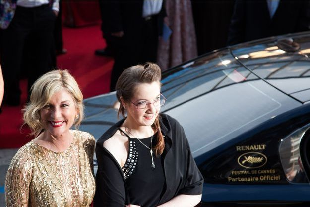 Marjorie Chaignoux et Michèle Laroque, juste avant de monter les marches du Festival de Cannes.