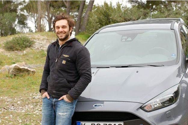 Pio Marmaï, motard dans l'âme, a découvert les joies de l'automobile.