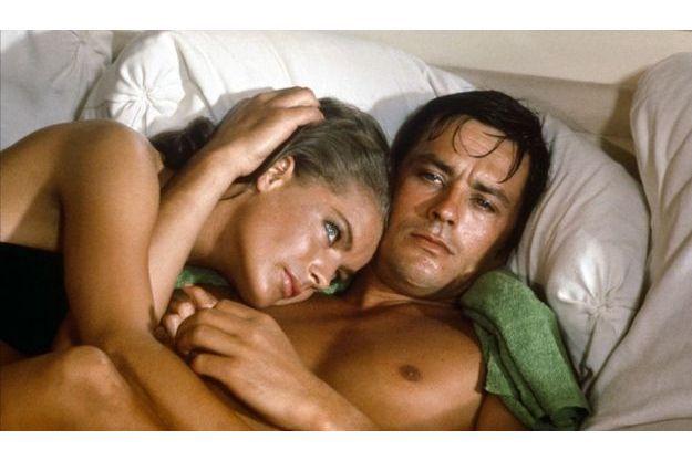 """Romy Schneider et Alain Delon dans """"La piscine"""" de Jacques Deray en 1969."""