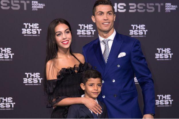 Cristiano Ronaldo, Georgina Rodriguez et Cristiano Junior à Zurich, le 9 janvier 2017.