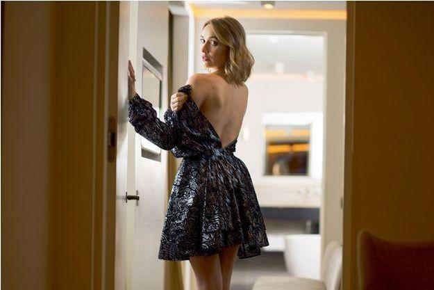 Une robe inspirée des années 1950, version courte : « J'adore les fifties, c'est l'âge d'or de Hollywood à mes yeux. »