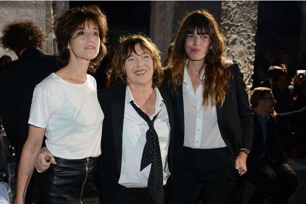 Jane Birkin avec ses deux filles, Charlotte et Lou, en septembre 2016.