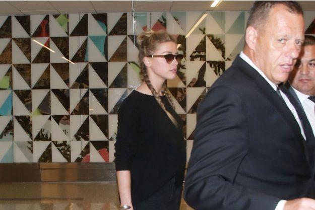 Amber Heard à son arrivée à l'aéroport de Los Angeles, le 12 août 2016.