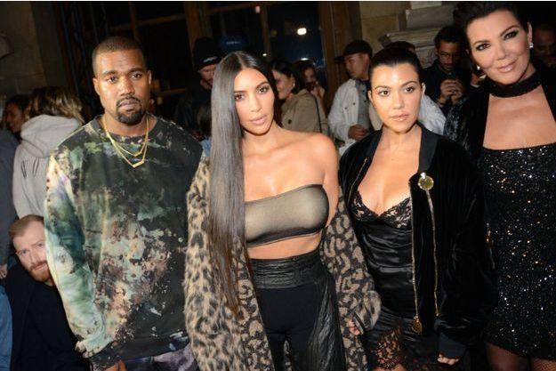 Kanye West, Kim Kardashian, Kourtney Kardashia et Kris Jenner.
