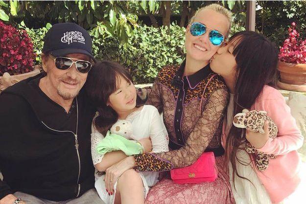 Johnny, Laeticia Hallyday et leurs deux filles, Jade et Joy, en avril 2017.