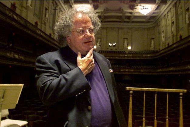 Le chef d'orchestre James Levine en 2001.