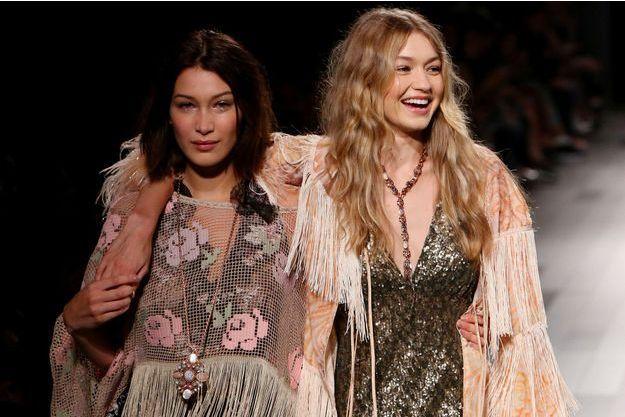 Gigi et Bella Hadid lors du défilé Anna Sui lors de la Fashion Week de New York