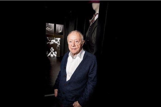 Maurice Renoma, dans la galerie de sa boutique. A voir: «Billard-Costard», ses photos et celles de Benoît Rajau, jusqu'au 23 janvier, 129 bis, rue de la Pompe, Paris XVI