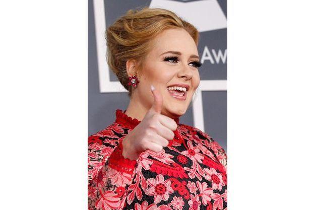 Adèle à son arrivée au Grammy Awards en février.