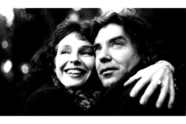 Le violonste rock et la diva. Didier Lockwood et Caroline Casadesus viennent de tomber amoureux et ne savet pas encore qu'ils vont mettre en scène leur passion... et la guerre entre le jazz et le classique.