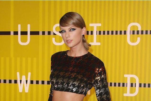 Taylor Swift lors des MTV VMA 2015, le 30 août 2015.