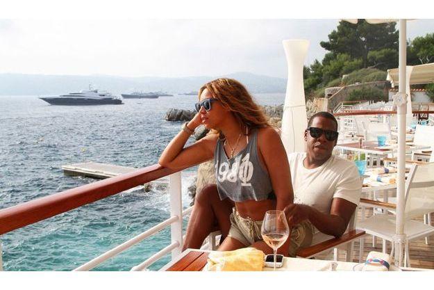 Août 2010. Beyoncé et Jay-Z, après un déjeuner entre amis à l'Eden Roc, au cap d'Antibes.