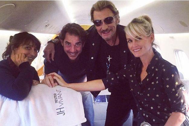 """Johnny et Laeticia Hallyday, en route pour la tournée """"Rester Vivant"""""""