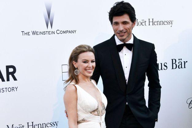 Kylie Minogue et Andres Velencoso au gala de l'amfAR, à Cannes, en mai dernier.