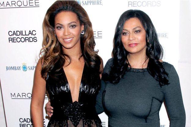 Beyoncé et sa mère Tina Knowles en 2008.
