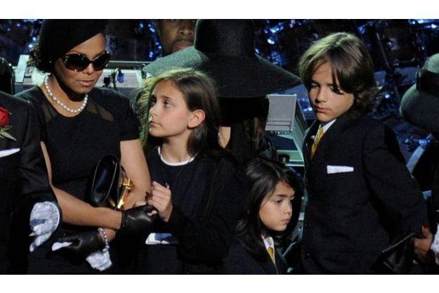 Paris, Prince Michael et Prince Michael II, les trois enfants de Michael Jackson, auraient-ils un grand frère?