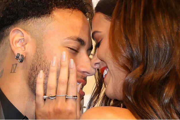 Neymar Jr. et sa petite amie Bruna Marquezine début avril à Sao Paulo.
