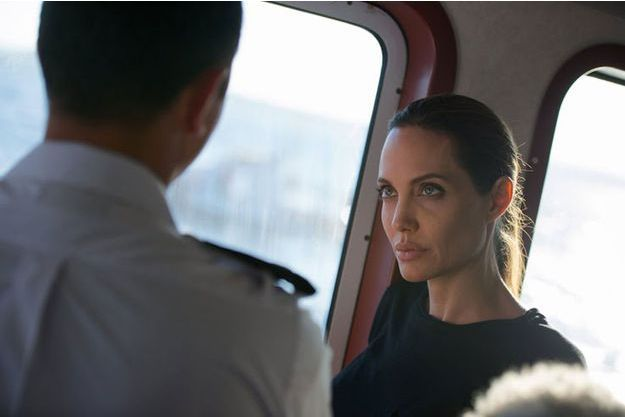 Angelina Jolie au centre de secours en mer de Malte.