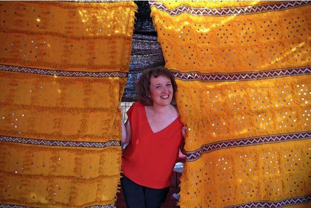 Anne Roumanoff à Marrakech pose pour Paris Match.