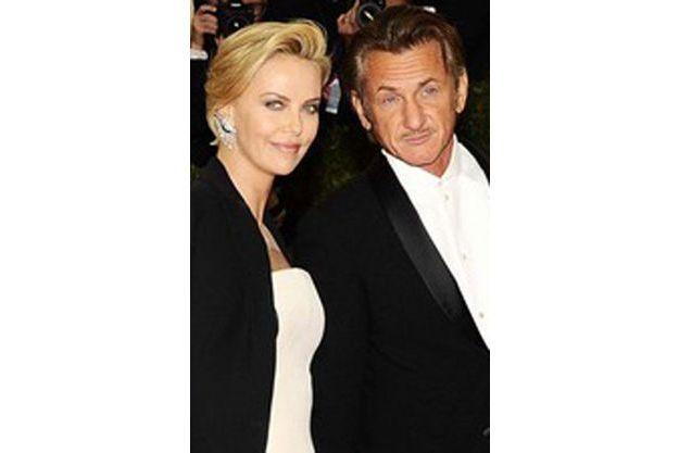 Charlize Theron et Sean Penn lors du Gala du MET.