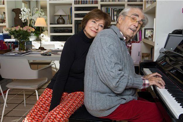 Depuis qu'elle a retrouvé le compositeur après cinquante ans d'éloignement, Macha, mariée, incarne l'épanouissement conjugal. Moderne: tandis que Michel sillonne le monde pour ses concerts, elle joue au théâtre.