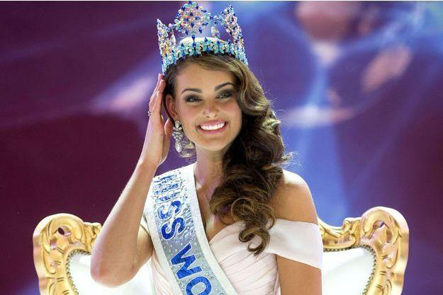 Miss Monde 2014, Rolene Strauss, lors de son sacre à Londres le 14 décembre