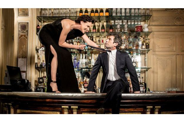 Vendredi 21 décembre, au café Carmen, à Paris. Fan de Rita Hayworth,  Claire a le sex-appeal de « Gilda » devant un Frédéric Taddeï conquis.