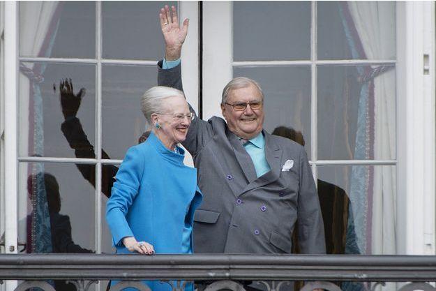 Le prince Henrik avec sa femme la reine Margrethe II de Danemark, le 16 avril 2017. Ce jour-là, la souveraine fêtait ses 77 ans