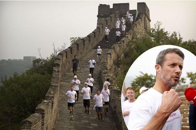 Le prince Frederik de Danemark sur la Grande Muraille de Chine à Pékin, le 25 septembre 2017
