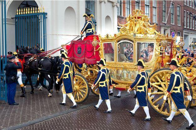 """La reine Maxima et le roi Willem-Alexander des Pays-Bas dans le Carrosse d'or à La Haye pour la """"Journée du Prince"""", le 15 septembre 2015"""
