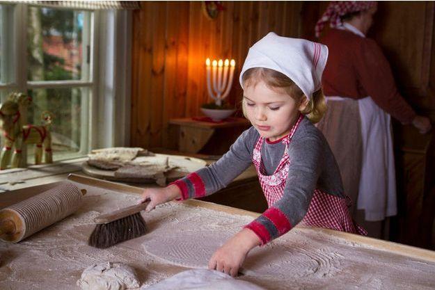 La princesse Estelle de Suède au musée de plein air de Skansen. Photos diffusées pour les voeux de Noël de la famille royale de Suède