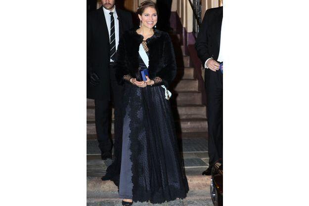 En Robe Du Soir Princesse SuèdeToujours Madeleine De Somptueuse NP8k0OnXw