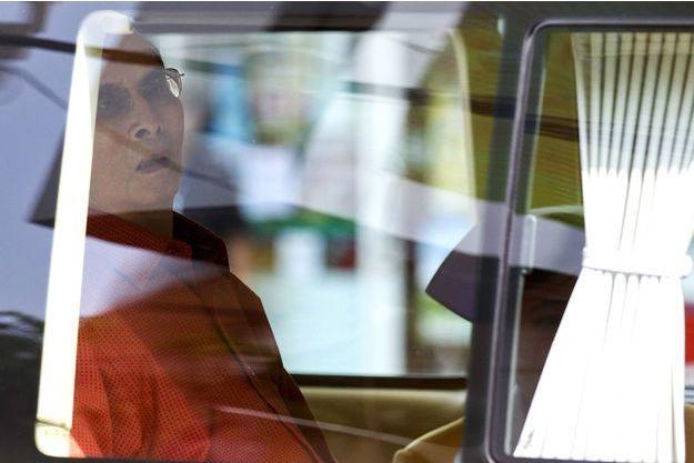 Le roi de Thaïlande, Bhumibol Adulyadej, à sa dernière sortie de l'hôpital, le 10 mai dernier.