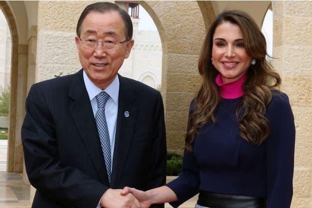 La reine Rania de Jordanie et le secrétaire général des Nations unies Ban Ki-moon à Amman, le 27 mars 2016