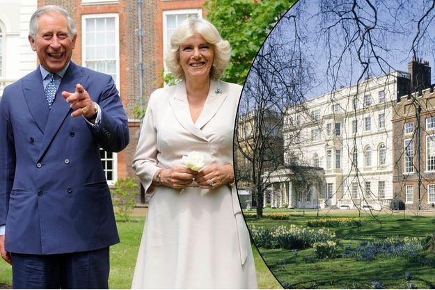 Le prince Charles et son épouse Camilla dans les jardins de Clarence House à Londres, le 21 juin 2012 - Le palais en 2003