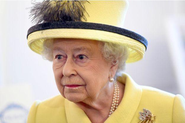 La reine Elizabeth II à Londres, le 1er décembre 2016.