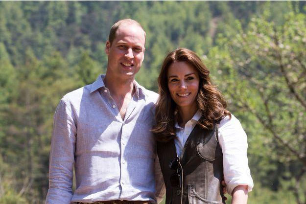 Le prince William et la duchesse Catherine de Cambridge au départ de leur trek au Bhoutan, le 15 avril 2016