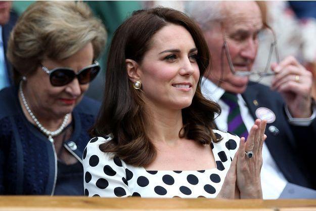 Kate Middleton arborait une nouvelle coupe de cheveux à Wimbledon, le 3 juillet 2017